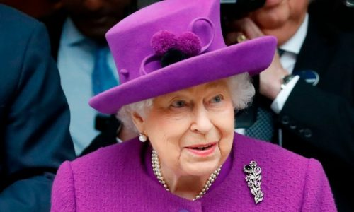 """Queen Elizabeth plans her royal comeback, expert says: """" We all hope this year will be different """""""