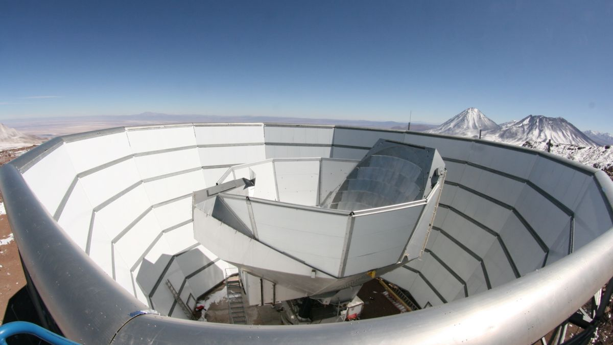 Astronomers calculate the age of the universe using the Atacama Desert Telescope